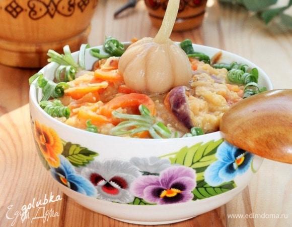 Теплый салат с мятой и чечевицой