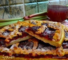 Пирог с малиной и ревенем