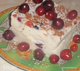 Легкий десерт с черешней