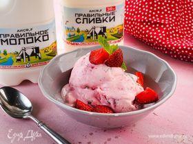 Клубничное мороженое с мятой