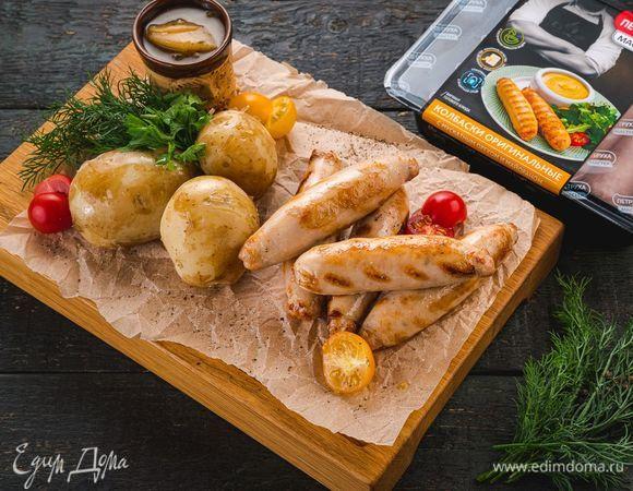Оригинальные колбаски с луковым соусом