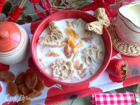 Английский молочный суп с курагой