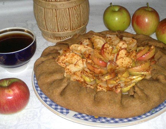 Ржаная галета с яблочно-ореховой начинкой