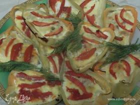 Перец, запеченный с ветчиной и овощами