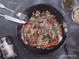 Карпаччо из печеного перца с сайрой и каперсами