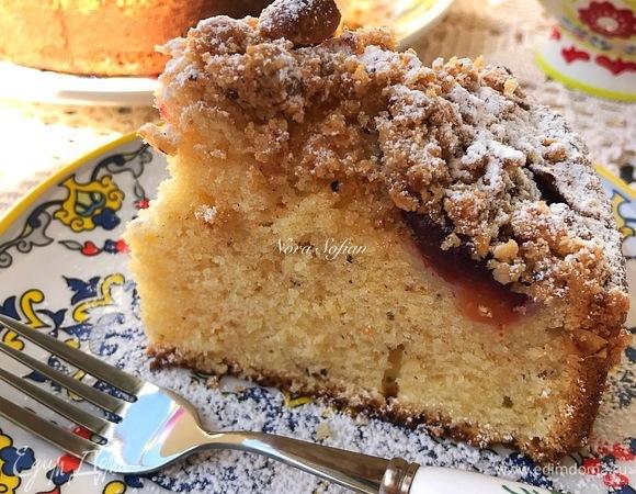 Сливовый пирог с фундуком