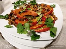 Осенний теплый салат из тыквы и нута с фетой