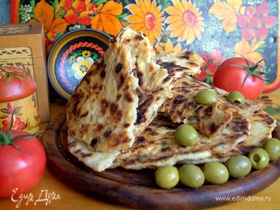 Лепешки с томатами и оливками