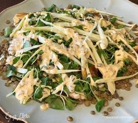 Салат с копченой скумбрией и зеленой чечевицей
