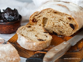 Хлеб с кардамоном и черносливом