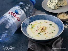 Крем-суп из цветной капусты с горгонзолой