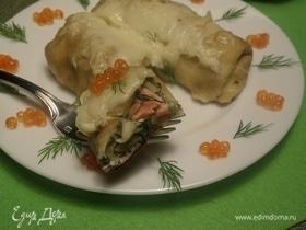 Запеченные блины с форелью, сыром и зеленью