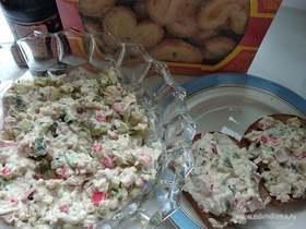 Салат с крабовыми палочками «Необычный»