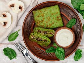 Зеленые блины со шпинатом и грибами