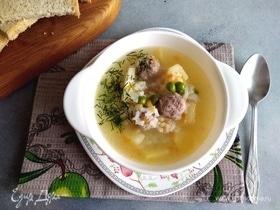 Суп с рисом, фрикадельками и горошком