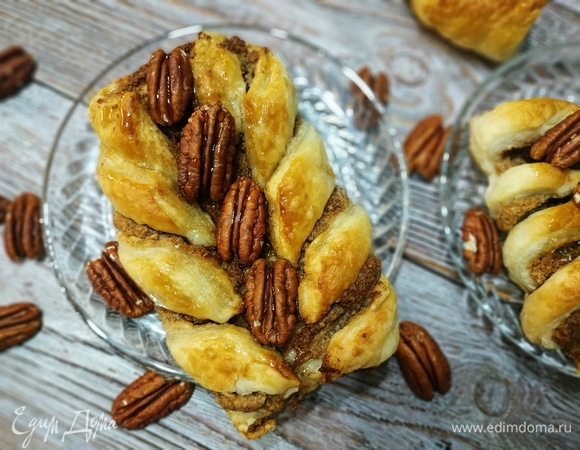 Косички с орехами и кленовым сиропом