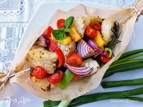 Треска, запеченная с овощами
