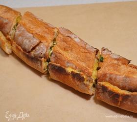 Закрытый горячий бутерброд со шпинатом и сыром