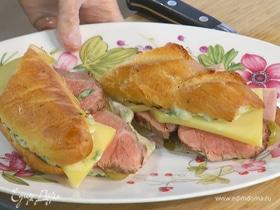 Сэндвичи с чеддером, ростбифом и домашним майонезом