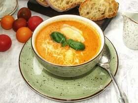Томатный суп с пекорино