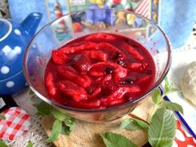Ленивые вареники в ягодном соусе