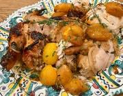 Цыпленок в маринаде, запеченный с абрикосами