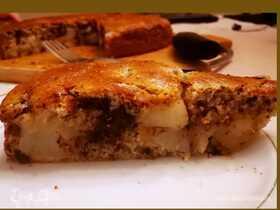 Грушевый пирог с шоколадом, корицей и мускатным орехом