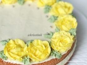 Бисквитный торт с крем-чизом и бананами