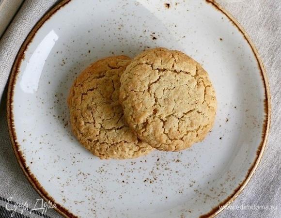 Овсяное печенье с орехами и изюмом