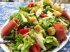 Сытный салат с хамоном