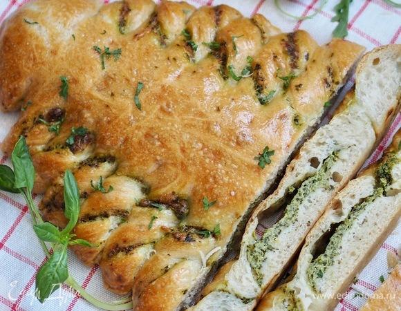 Закусочный пирог «Елка» с сыром и шпинатом