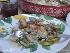 Курица с луком-пореем в сметанном соусе