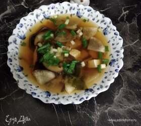 Мисо-суп с грибами и дайконом