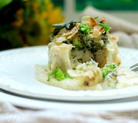 Белая рыба с брокколи в сырном соусе
