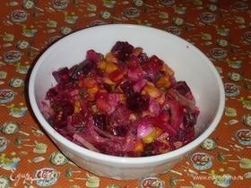 Салат из кукурузы с овощами с зеленой заправкой