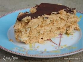 Быстрый торт со сгущенкой и шоколадной глазурью