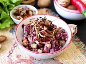 Фасолевый салат с ореховой заправкой