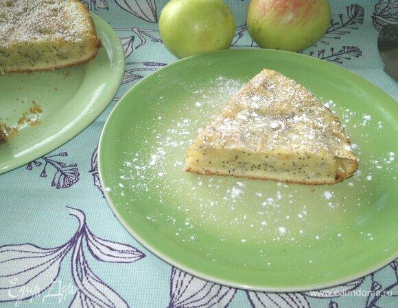 Пирог с яблоками, маком и кокосовой стружкой