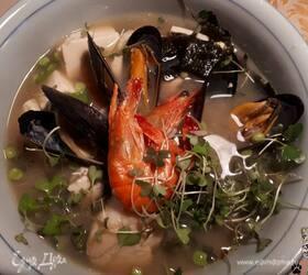 Мисо-суп с тофу и морепродуктами