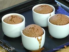 Шоколадное суфле с малиной