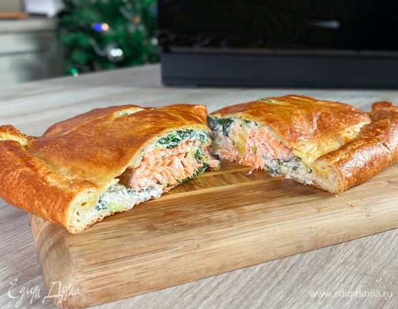 Хрустящий пирог с лососем и шпинатом