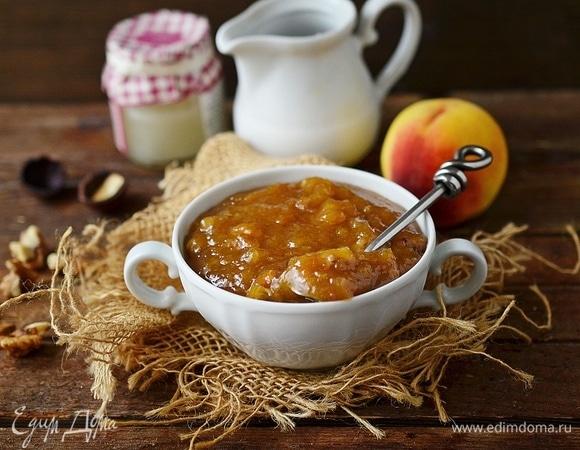 Персиковый джем с грецкими орехами