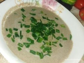 Сливочно-чесночный крем-суп из шампиньонов