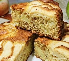 Яблочный пирог с амаретти