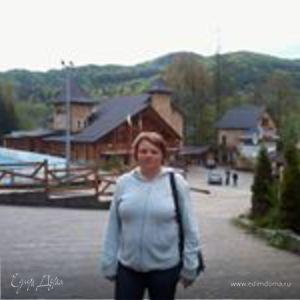 Лена Головач