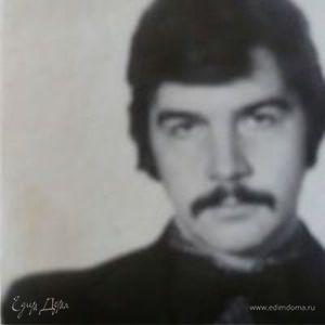 Александр Манахов
